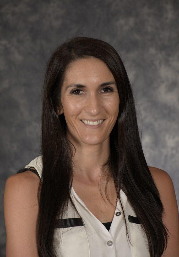 Mrs. Taryn Yaeger_Middle School-1
